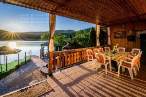 Luxusná chata pri jazere